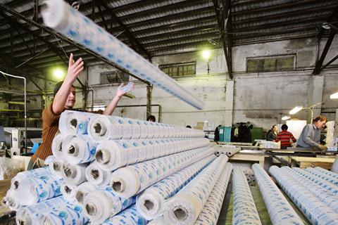 рулоны бумажной основы для туалетной бумаги