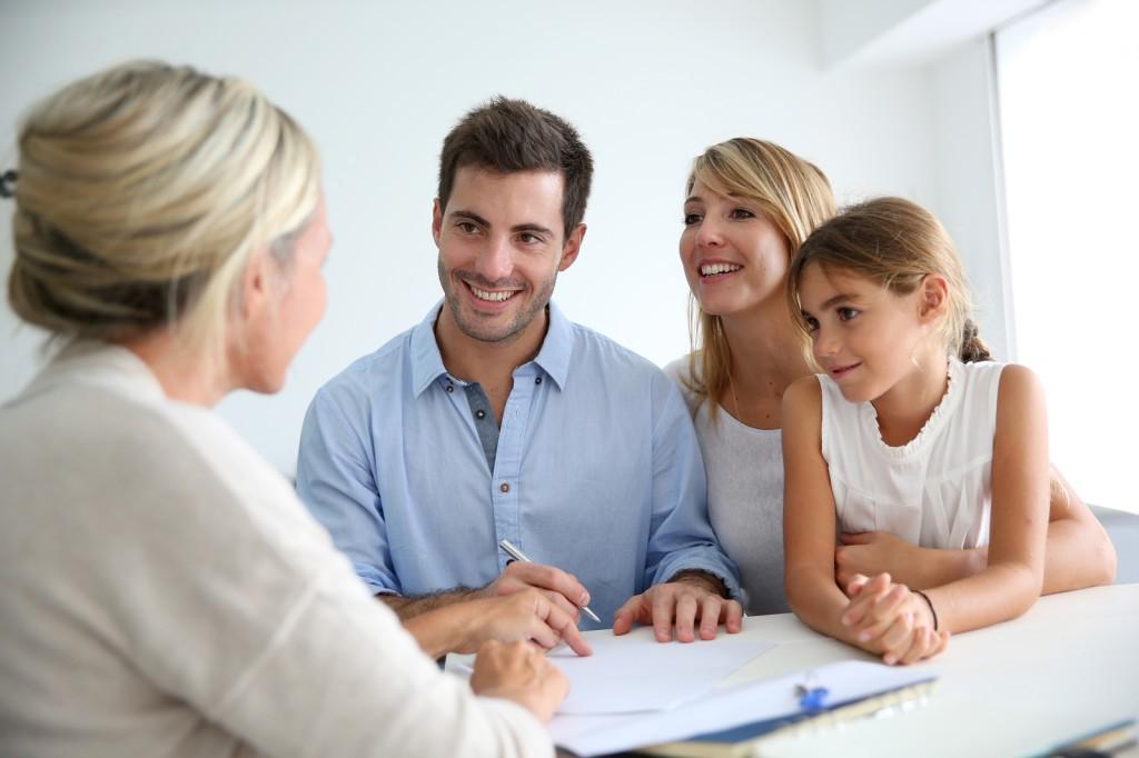 Как открыть агентство недвижимости: Стоит начинать и выгодно ли это дело?