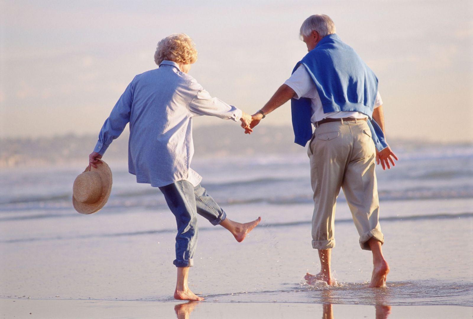 Кто имеет право на пенсию по выслуге лет?