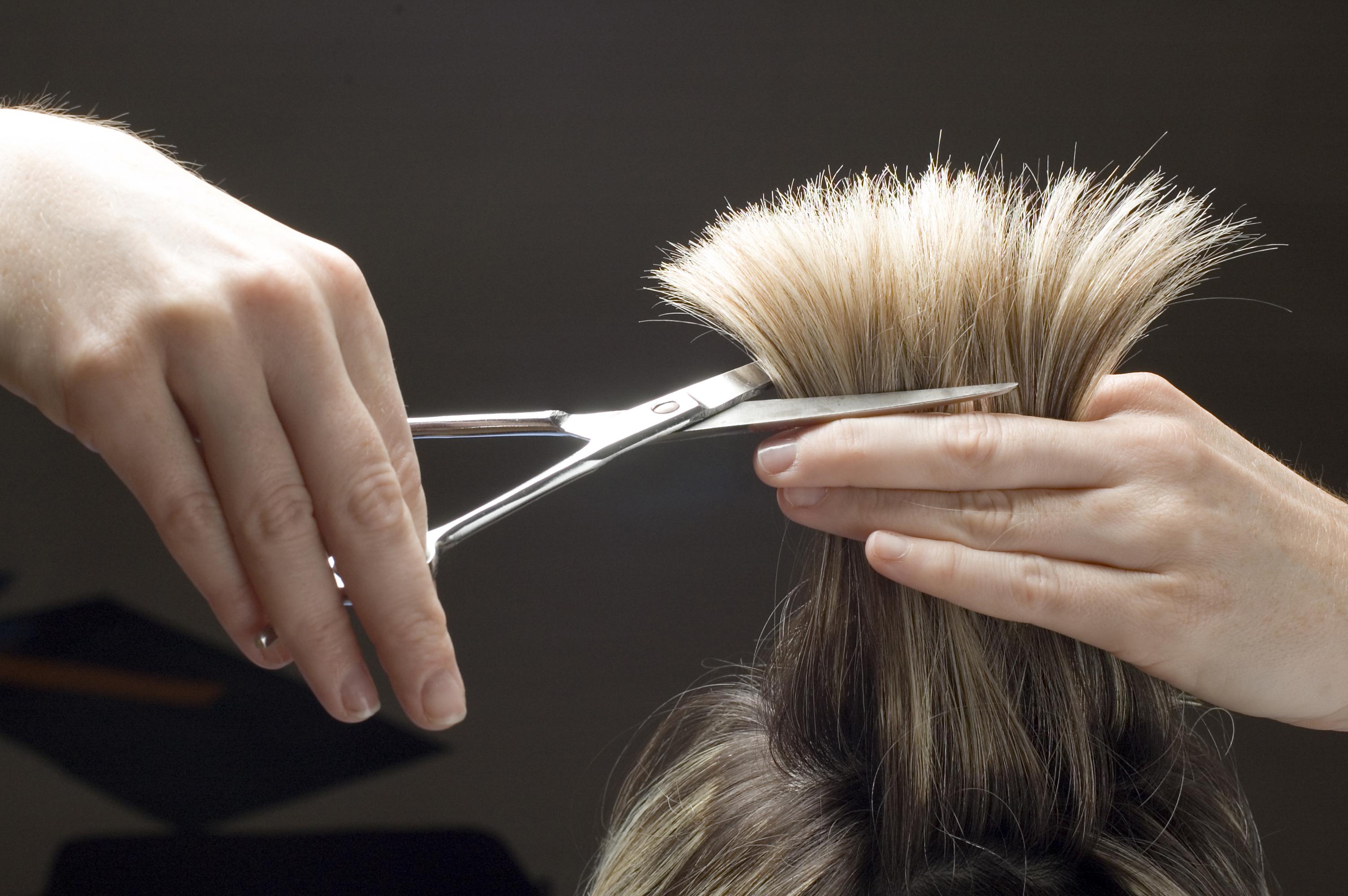 Бизнес для женщин. Наращивание волос на дому.