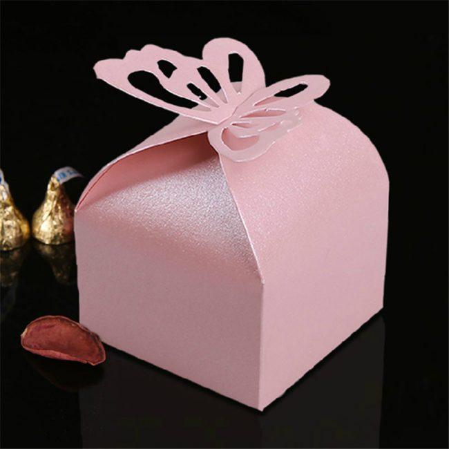Коробка с тортом необычной формы