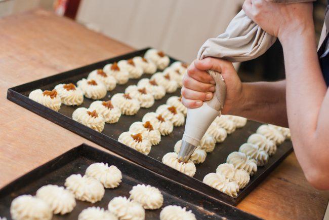 Ручное формирование печенья курабье