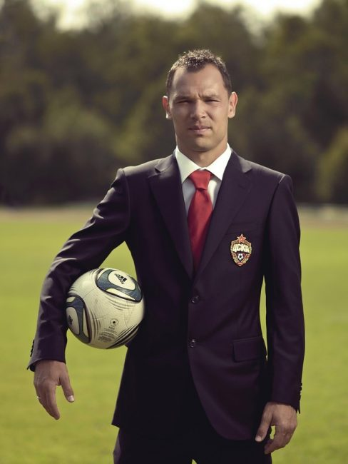 Сергей Игнашевич с мячом