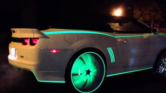 Светящиеся диски автомобиля