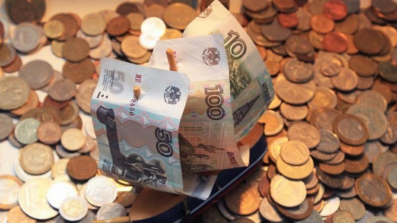 Топ-10 российских банков увеличили ставку по рублёвым вкладам до 7,03%