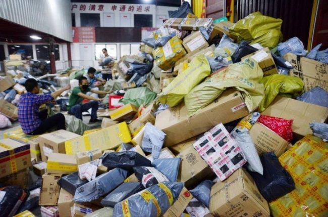Китайские товары в упаковках