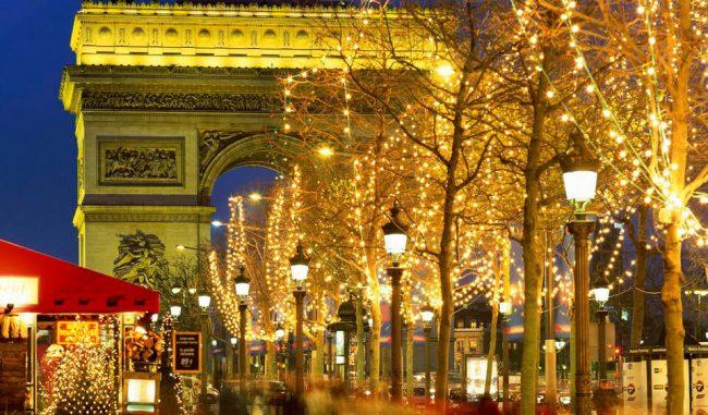 Париж — лучшее место, куда поехать на Новый год 2019