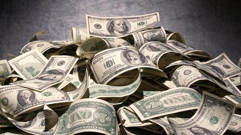Россия закупила иностранной валюты на 4 трлн долларов США