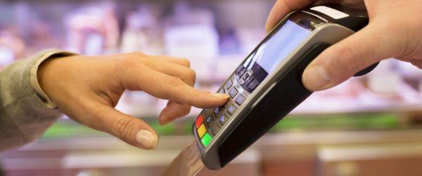 Оплата товаров банковской картой в магазине