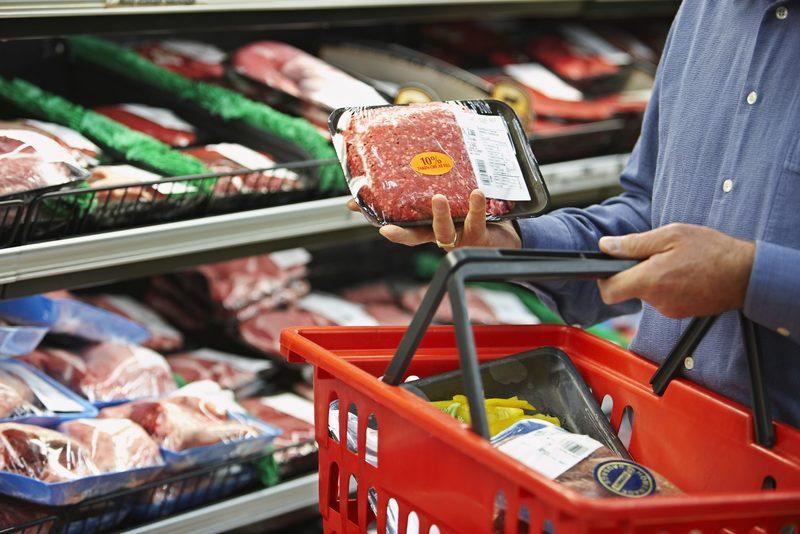Почему россияне тратят огромную часть бюджета семьи на еду?