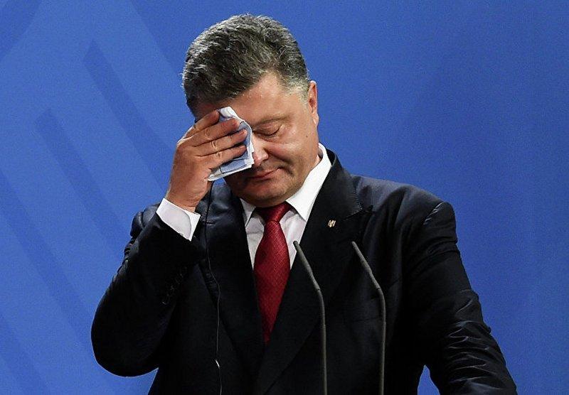 Порошенко продолжает терять рейтинг в глазах украинцев