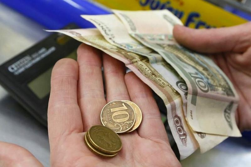 Реальные доходы россиян упали на 3%