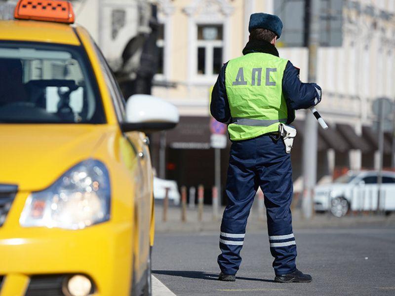 Кому повезёт: новый закон о такси с 1 января 2019 года