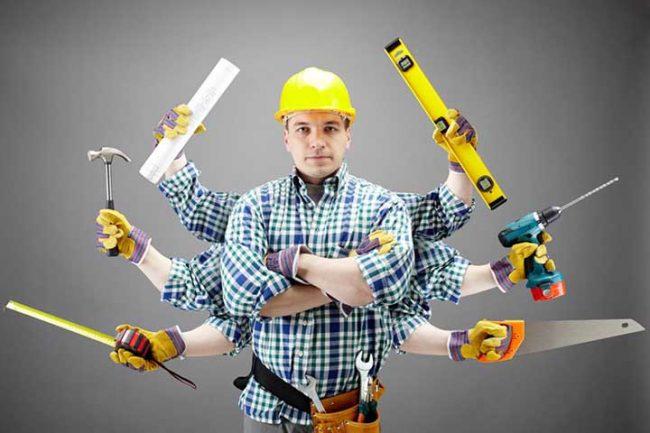 мужчина с множеством рук с инструментами