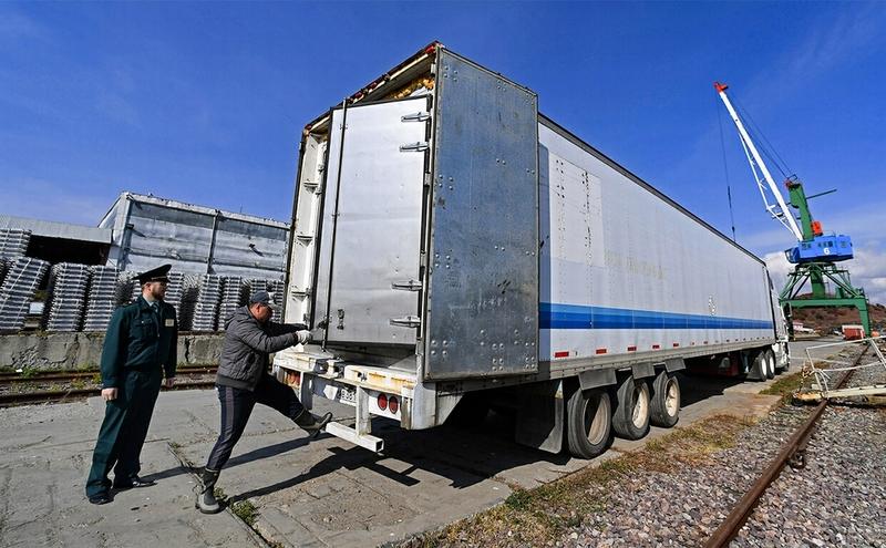 Теневые потоки в торговле России превысили $45 млрд