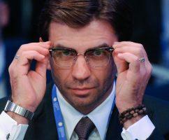 Альфа-банк потребовал 33,6 млрд рублей с экс-министра Абызова