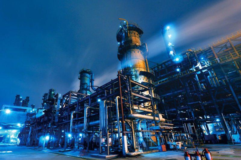 40 млрд долларов будет привлечено в нефтегазохимическую отрасль
