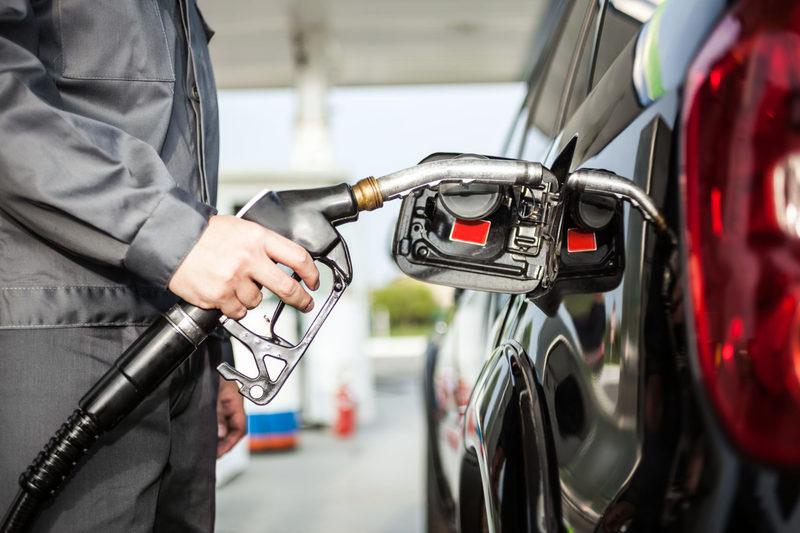 Цены на бензин заморозят ещё на три месяца