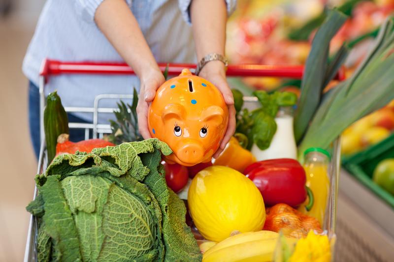 Рекордное число россиян экономят на продуктах питания