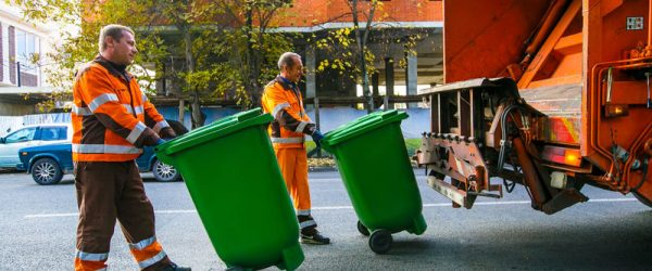 В ряде регионов России снизят тарифы на вывоз мусора на 14,5%