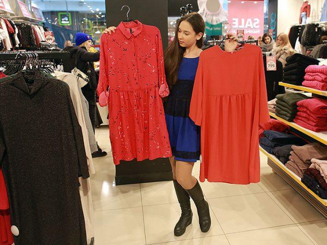 Менеджер по продажам в магазине одежды