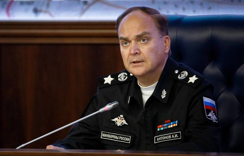 Анатолий Антонов знает, как улучшить отношения между Россией и США