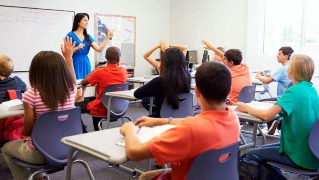 Преподаватель в языковой школе