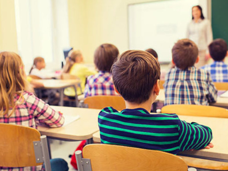 Российских школьников будут учить трезвости