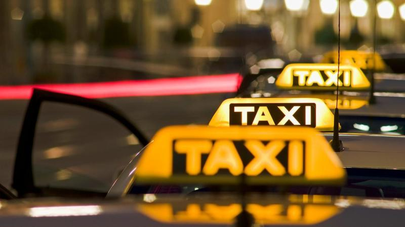 Эксперты выяснили, что выгоднее: личный автомобиль или такси