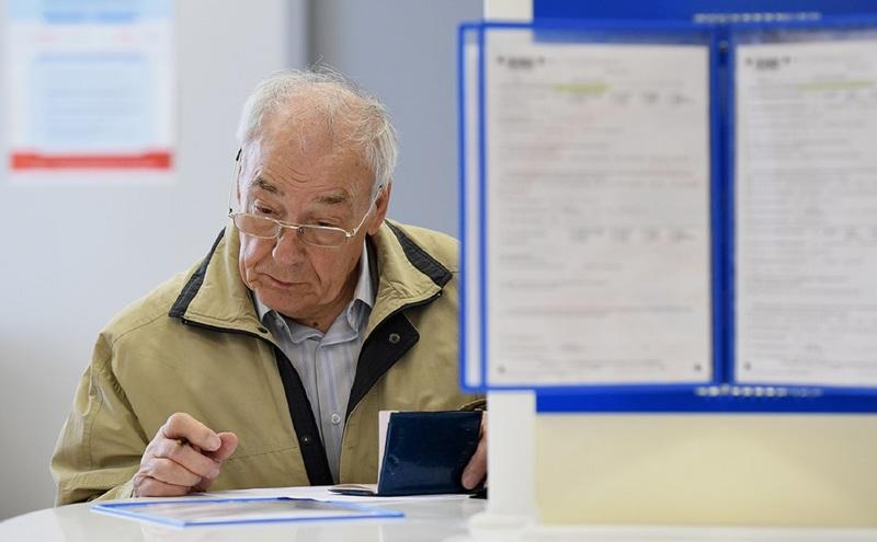 С первого августа пенсии работающим пенсионерам будут перерассчитаны
