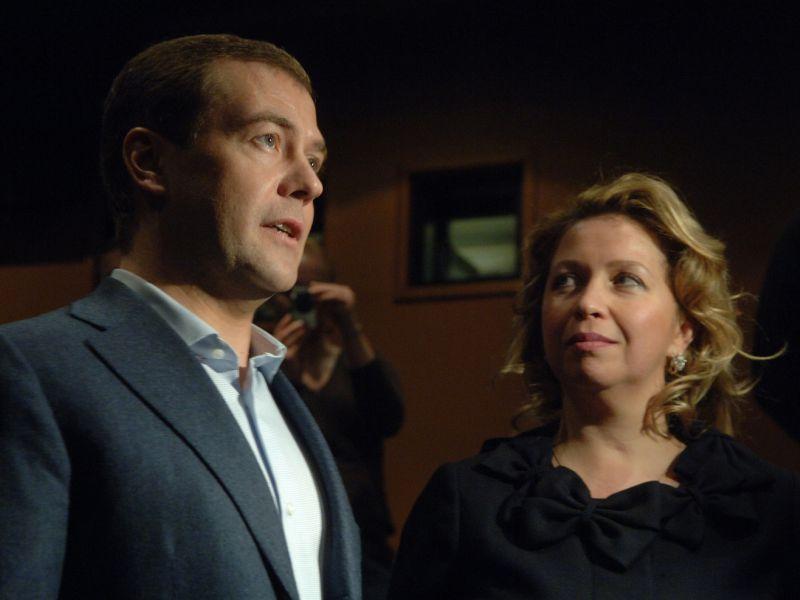 Сколько зарабатывает жена Медведева: доходы бывшей первой леди