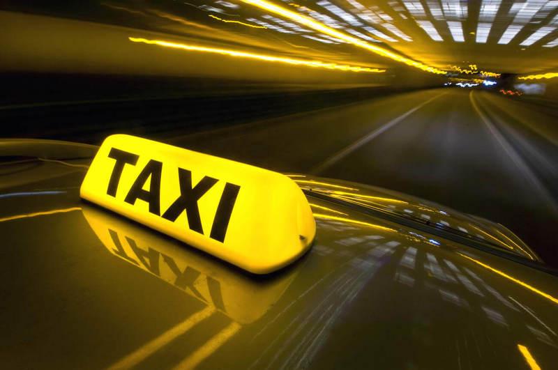 Из-за нового закона о такси цены на перевозки могут вырасти в 10 раз