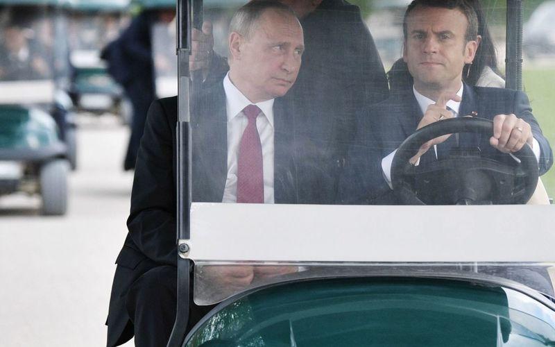 Стали известны темы, которые обсудят Путин и Макрон во время личной встречи