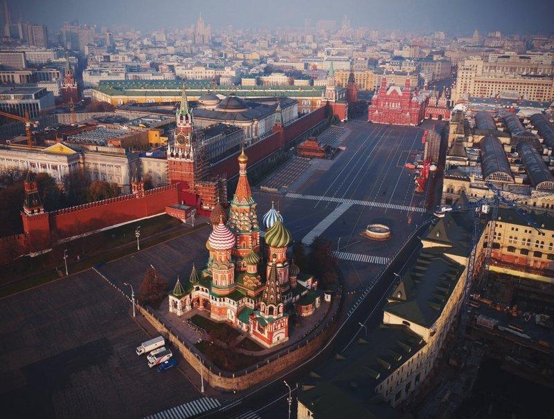 Иностранных туристов освободят от обязанности покупать туры для посещения России