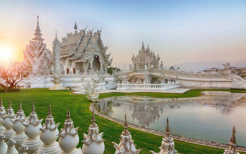 Таиланд продлил период беспошлинного въезда для туристов из 20 стран