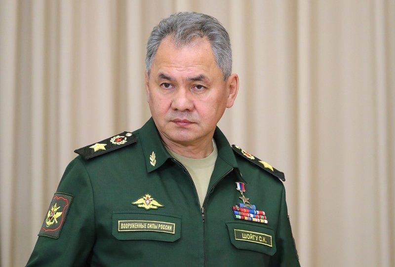 Шойгу заявил о напряжённой обстановке на западных границах России
