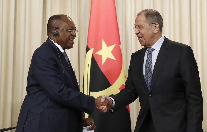Глава МИД Анголы передал послание Путину на встрече с Лавровым