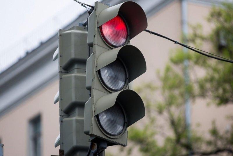 Умные светофоры установят ещё в девяти городах России