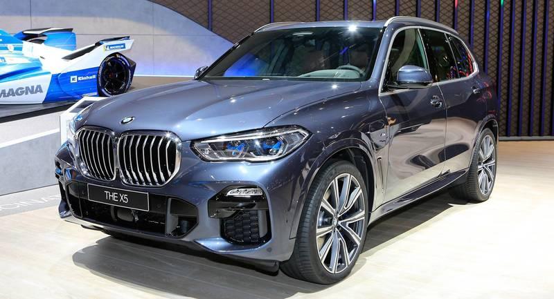 BMW презентовала гибридный X5 xDrive45e