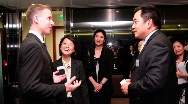 Беседа партнёров по бизнесу