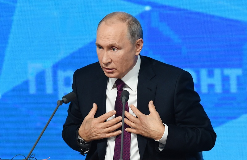 Путин заявил, что в России не может быть слюнтяй во главе государства