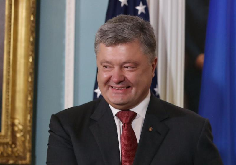 Порошенко явился на допрос в Госбюро расследований Украины