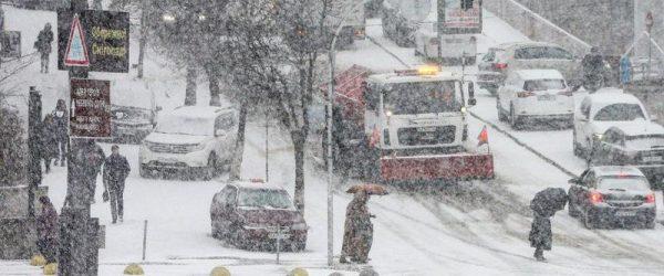 снег на дорогах