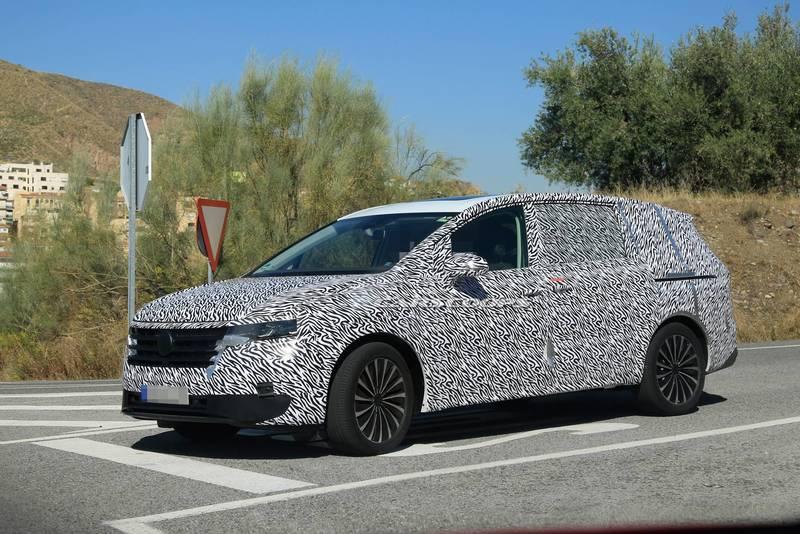 В России может появиться новый минивэн Volkswagen Viloran
