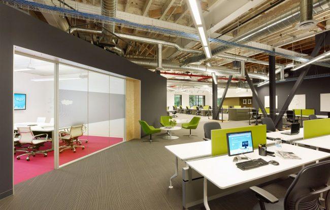 Современный крупный офис