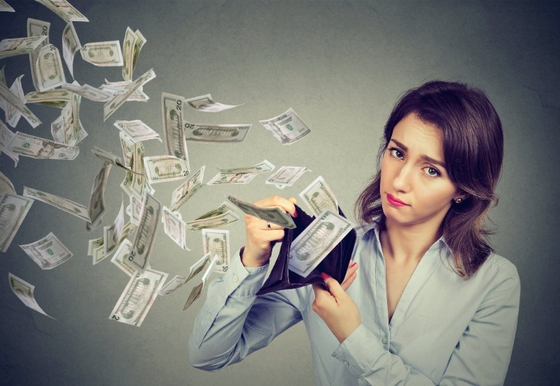 Какие привычки выкачивают деньги из кармана