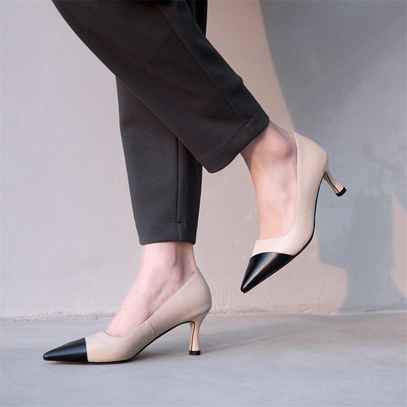 Туфли на невысоком каблуке
