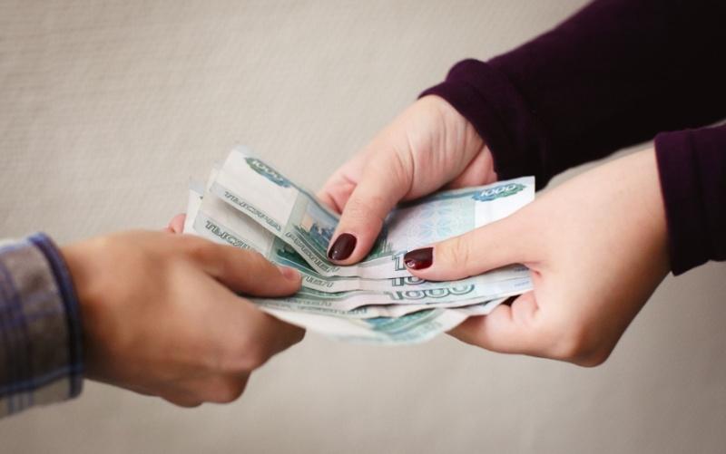 4 случая, в которых вам придется платить за родственника