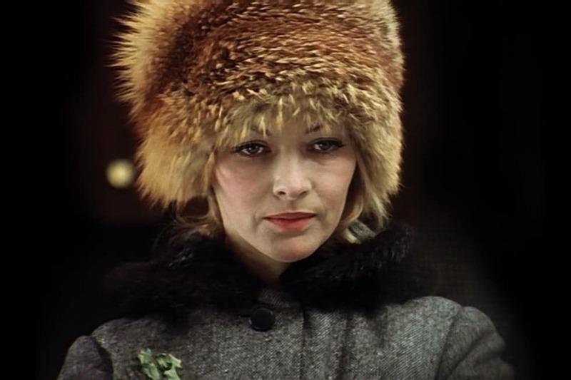 7 дефицитных вещей, о которых мечтали женщины в советское время
